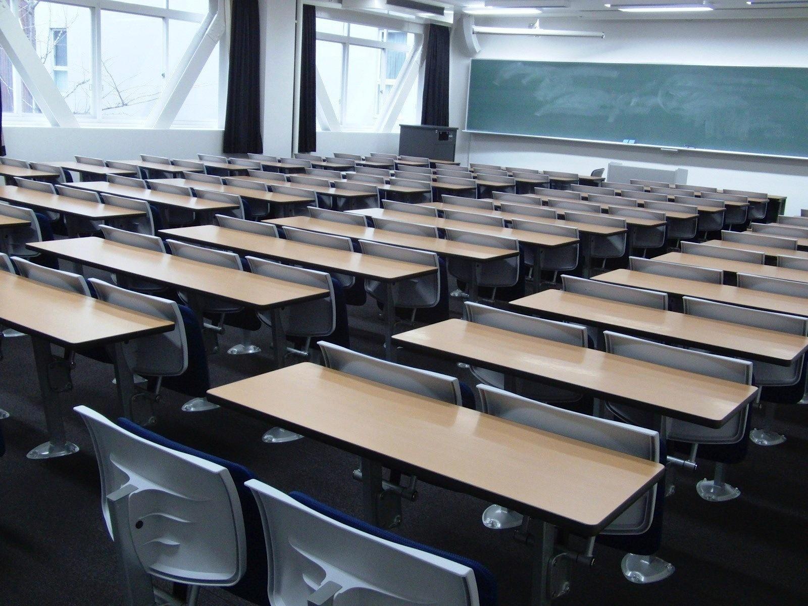 Angol emelt szintű érettségi, 2016. május: Nyelvhelyesség, Task 4